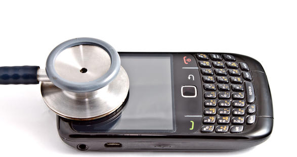 Resultado de imagen para niños jugando con celulares residuales