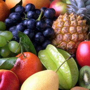 frutas-corazon-salud-bienestar-cardiovascular-cardioproteccion-dieta-saludable
