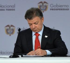 Juan-Manuel-Santos-presidencia-salud-pos-eps-savia-ips-fosyga