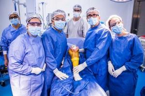 cirugia-protesis-rodilla-colombia-medicina-futuro-tecnologia-salud-ingenieria-hospitalaria-equipos-medicos